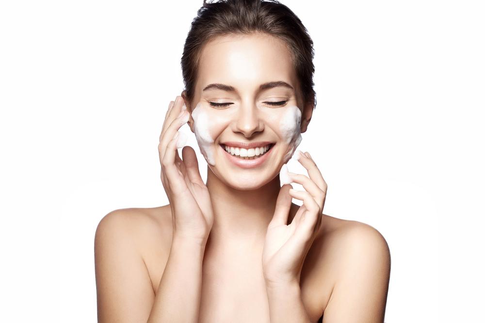 Do cheiro à embalagem a pesquisa sensorial na produção de cosméticos